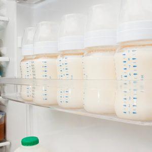 Как хранить грудное молоко: уроки для мам по правильному хранению сцеженного молока