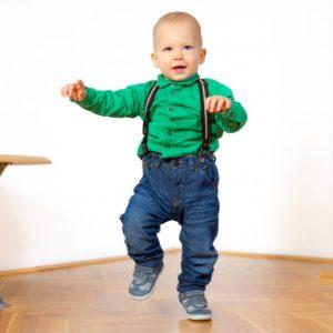 Как научить ребенка ходить: основные эффективные и простые упражнения для детей