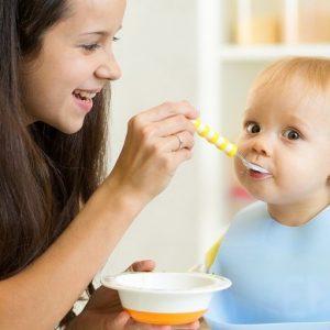Питание ребенка в 6 месяцев: советы по подбору режима и рациона на каждый день
