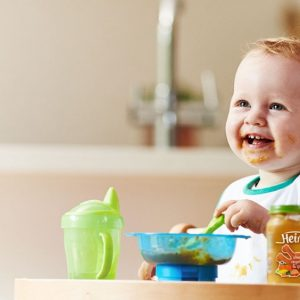 Питание ребенка в 7 месяцев: меню на каждый день и варианты изменения рациона
