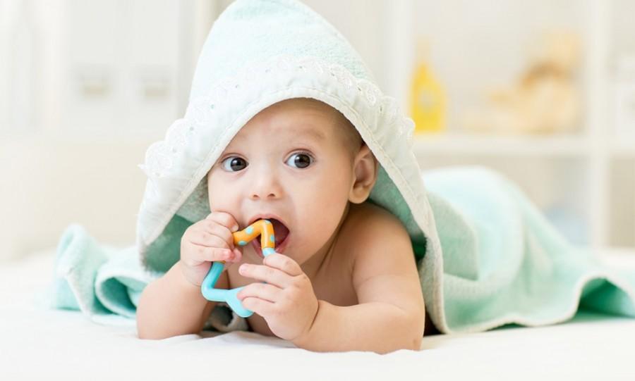 Чем успокоить ребенка при прорезывании зубов