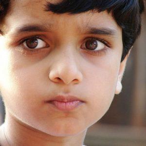 Синяки под глазами у ребенка – причины появления, возможные последствия и средства по устранению