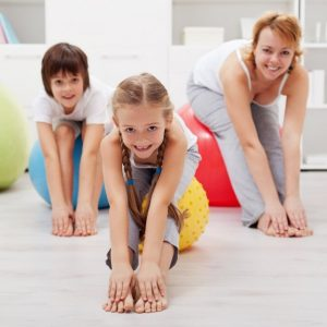 Зарядка для детей: комплекс упражнений для самых маленьких и школьников